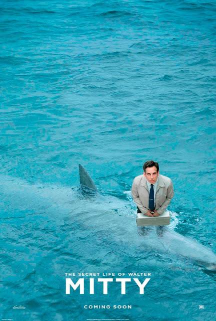 Ben Stiller sobre un tiburón en el póster de 'La vida secreta de Walter Mitty'