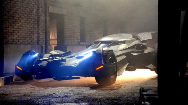 DeAndre Jordan muestra el Batmóvil con todo lujo de detalles