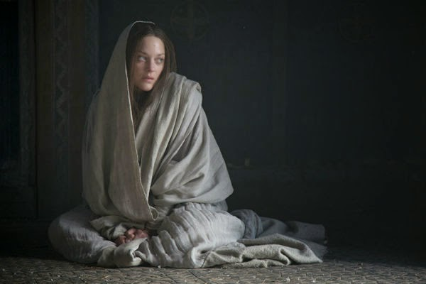 Marion Cotillard y Michael Fassbender en las nuevas imágenes y póster de 'Macbeth'