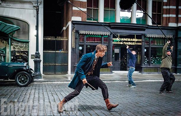 Primeras imágenes de Eddie Redmayne como Newt Scamander en 'Animales fantásticos y dónde encontrarlos' (Actualizado)