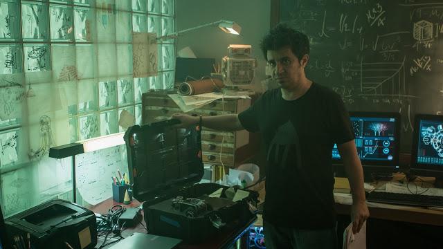 Nuevas fotos de 'Órbita 9', con Clara Lago y Álex González, que finaliza el rodaje