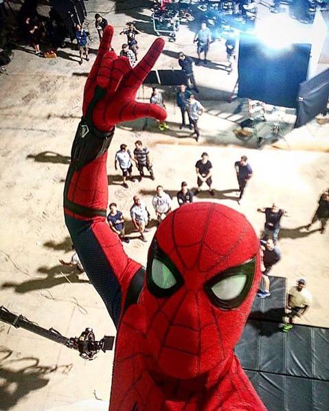 Un selfie de Spider-Man nos recuerda que queda un año para 'Spider-Man: Homecoming'