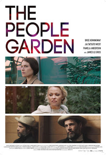 Pamela Anderson en el bosque de los suicidios en 'The people garden'