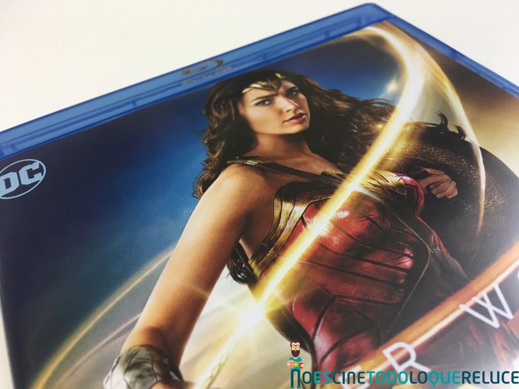 'Wonder Woman': Reportaje fotográfico y detalles de la edición Steelbook (Blu-ray + Blu-ray 3D)