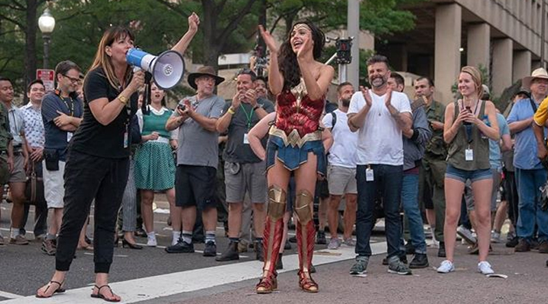 'Wonder Woman 1984': Gal Gadot anuncia el final del rodaje