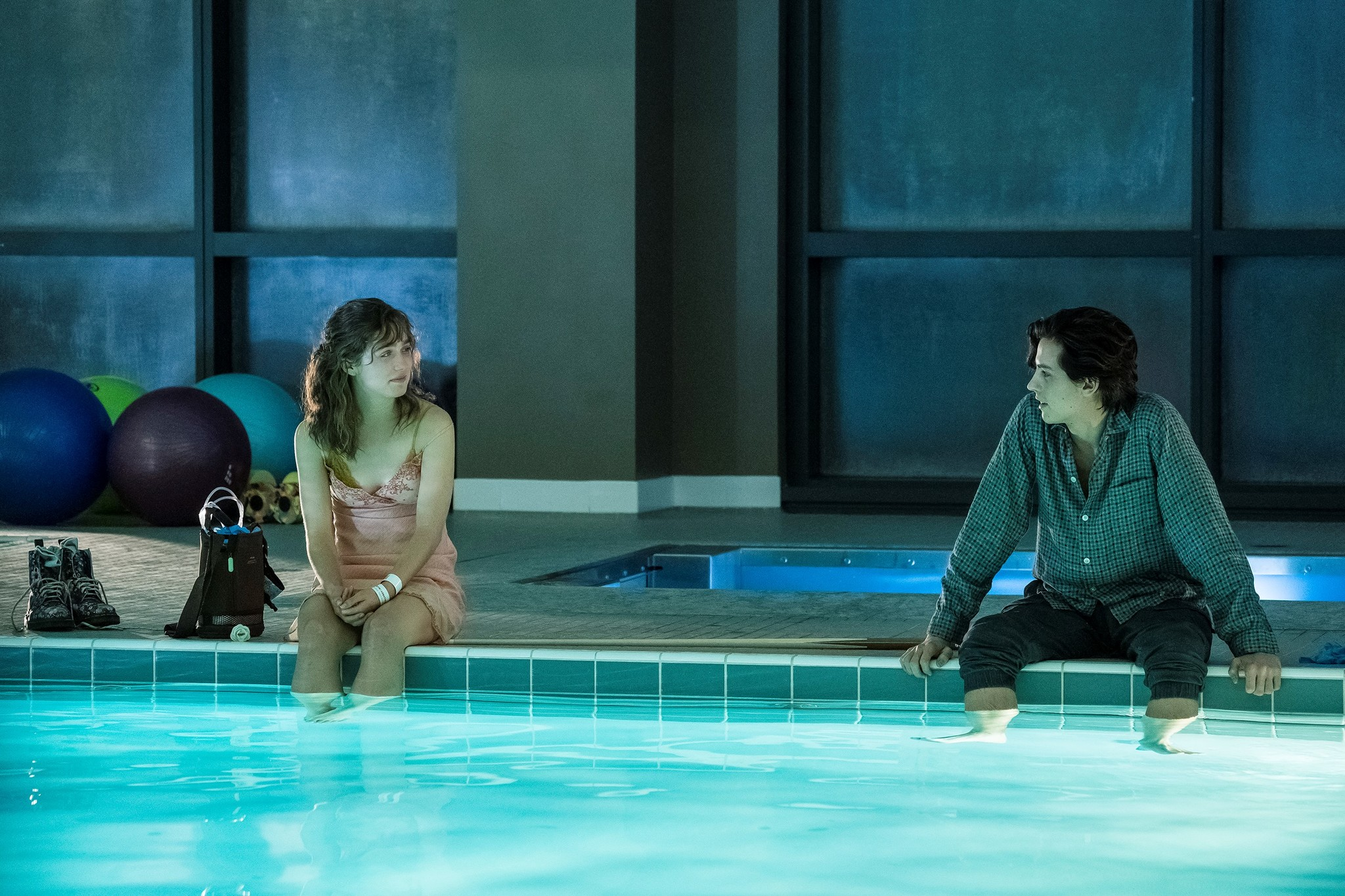 'Five Feet Apart': Nuevo tráiler del drama adolescente con Haley Lu Richardson y Cole Sprouse