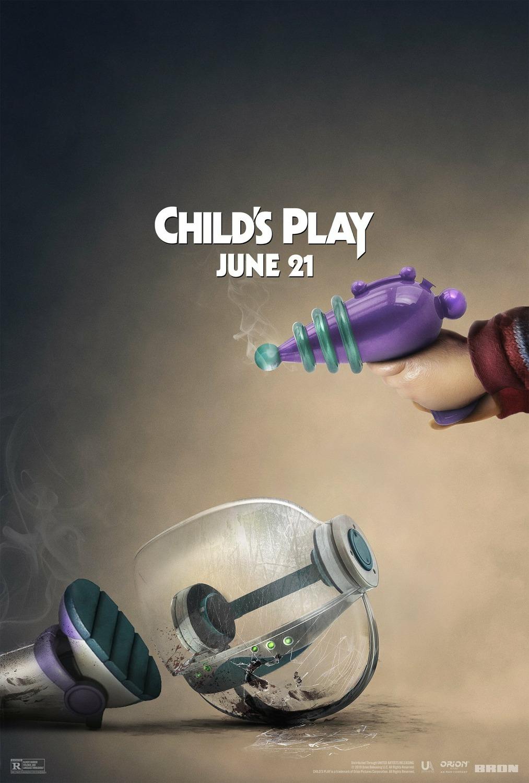 Ni Buzz Lightyear sobrevive a Chucky en el póster de 'Muñeco Diabólico (Child's Play)'